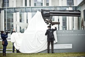 Empresa alemana vende a México maquinaria para la fabricación de fusiles sin autorización