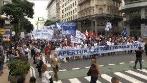Tens of Thousands of Argentine Teachers March Amid Nationwide Strike