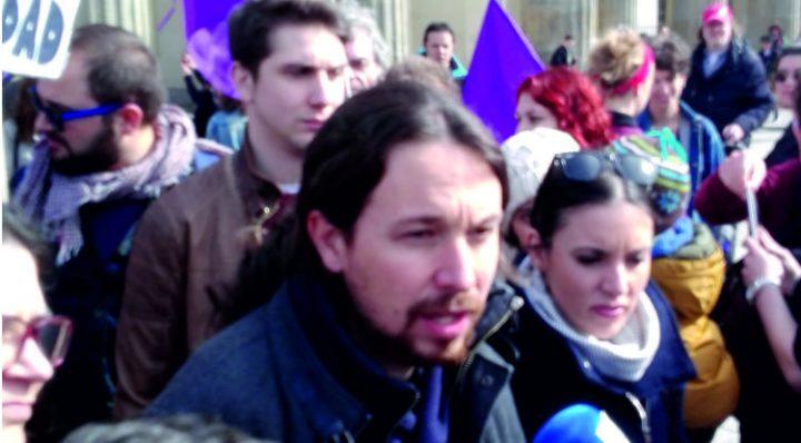 Aktion in Berlin mit Pablo Iglesias (PODEMOS) für die öffentliche Gesundheit in Spanien