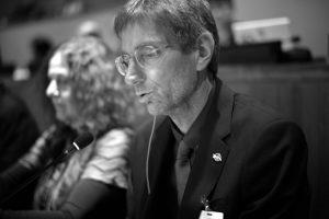 Il fisico Tilman Ruff (IPPNW) alla conferenza sul disarmo nucleare