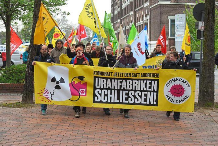 Ostermarsch-Proteste vor der deutschen Urananreicherungsanlage in Gronau