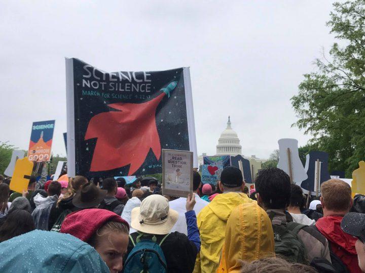 Πορεία για την Επιστήμη σε 500 πόλεις σε όλο τον κόσμο