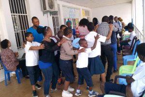 RDC : Nasana Rainbow, un projet interculturel, interdisciplinaire et intergénérationnel au service des enfants à besoins spécifiques.