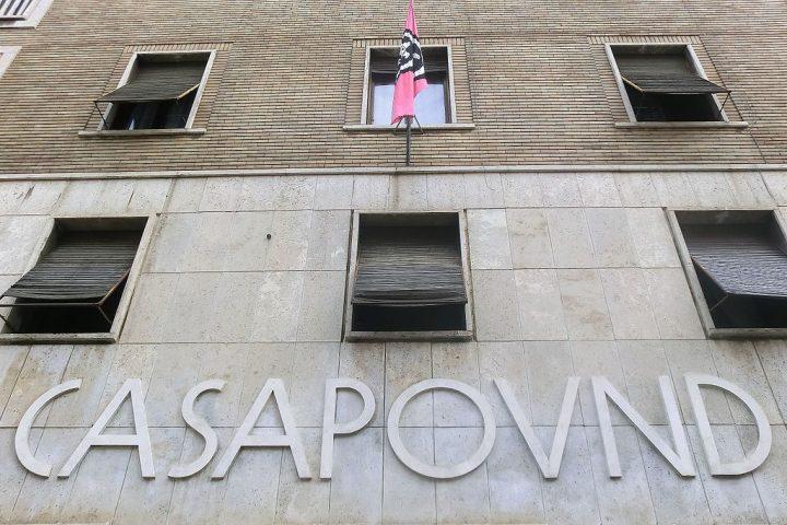 Nessuna tolleranza per l'apologia di fascismo
