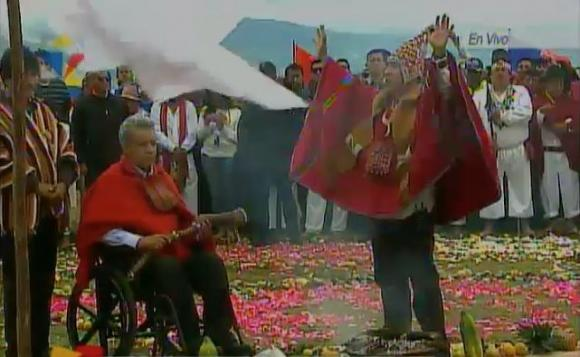 Ecuador: President Lenín Moreno received a spiritual baton during an indigenous ceremony