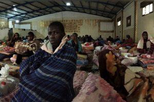 Migrantes africanos terminan en mercados de esclavos de Libia