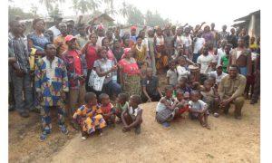 La femme et le palmier à huile traditionnel : une lutte pour la vie