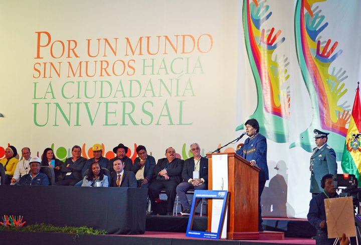 Bolivia: Evo Morales at the conference for a world without walls