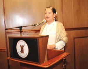Lupe Cajías, historiadora y periodista boliviana, comenta libro de Sullings