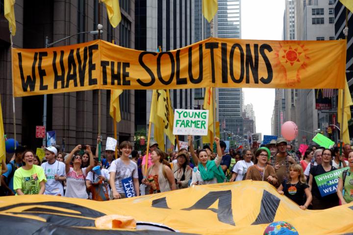 Αγαπητοί Νέοι που Γελάτε με τους Αρνητές της Κλιματικής Αλλαγής