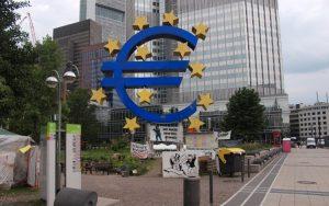 Το παράνομο του κλεισίματος των ελληνικών τραπεζών