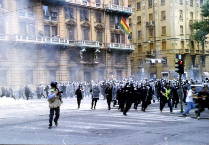 La Ministra Lamorgese promuove i funzionari di polizia coinvolti nella repressione durante il G8 del 2001