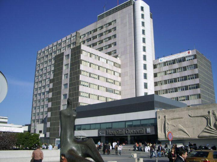 Comienza el cierre de camas en los hospitales madrileños por el verano
