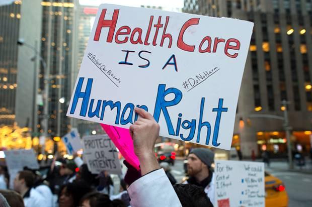 """""""Medicare for All!"""" ovvero cure mediche per tutti. È questione di vita o di morte!"""
