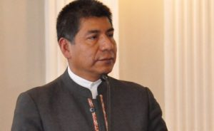 «Bolivia propone no sólo quitar visas sino eliminar muros» Canciller Huanacuni