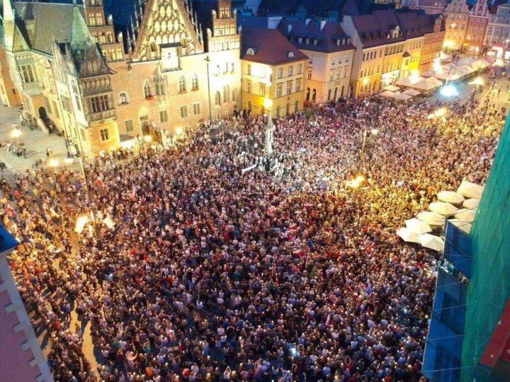 Polonia, il Presidente salva lo Stato di diritto