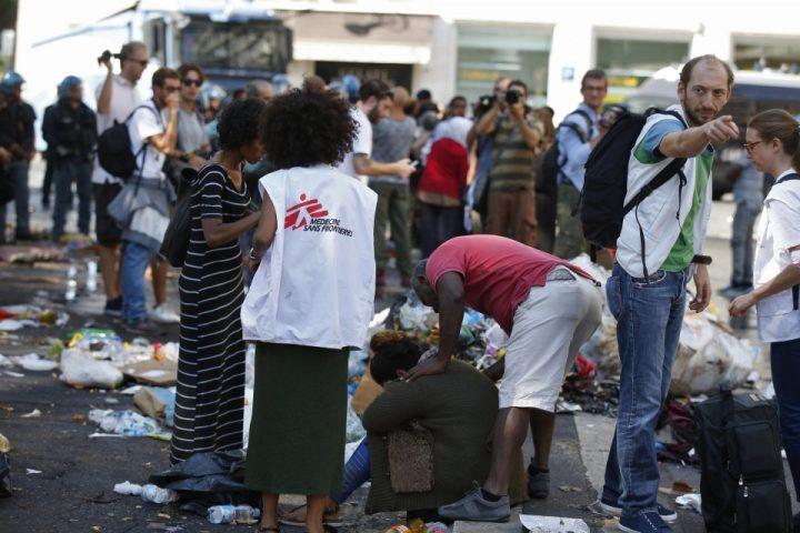 Sgombero Piazza Indipendenza: almeno 13 feriti tra i rifugiati