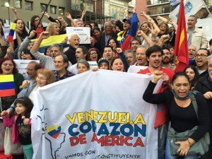 Amenazaron de muerte a estudiantes venezolanas en Argentina