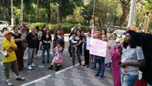 Mujeres inmigrantes contra el cierre del horario integral en las escuelas municipales