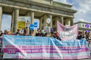 Entkriminalisierung des Schwangerschaftsabbruchs: Weg mit dem §218 in Deutschland!