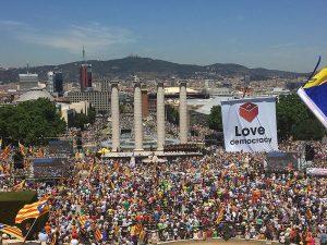Urgente: Toma forzosa de instituciones del gobierno catalán por parte de la policía española