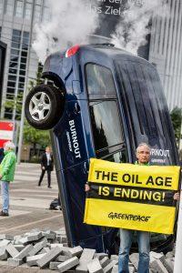 Greenpeace: azione a Francoforte al salone dell'auto