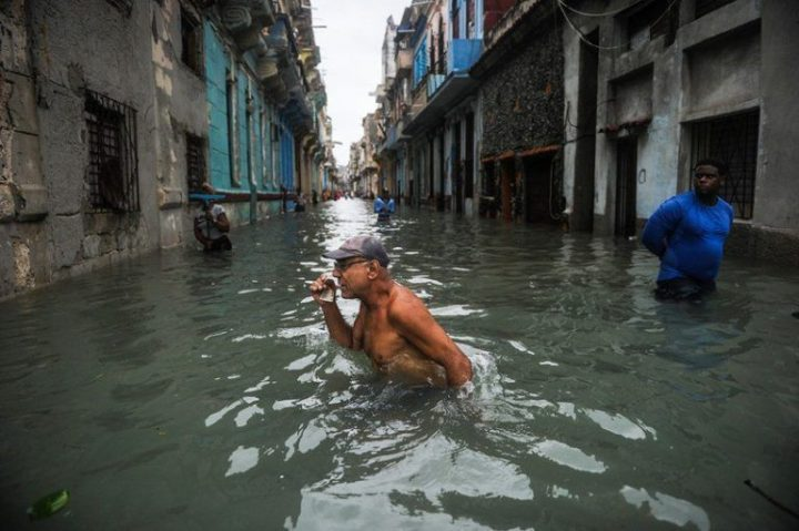 Habana-bajo-agua10-AFP-768×511