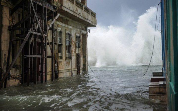 Habana-bajo-agua16-AFP-768×478
