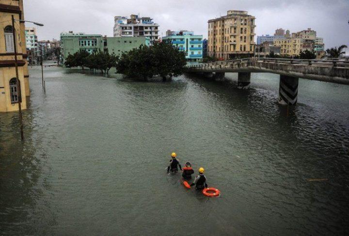 Habana-bajo-agua4-AFP-768×519