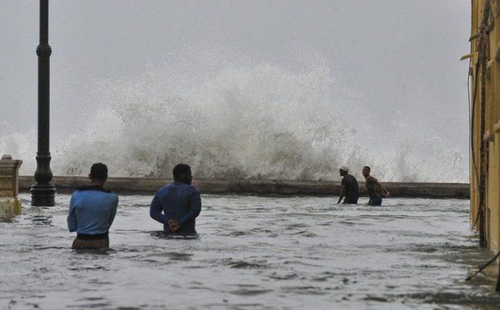 Habana-bajo-agua8-AFP-768×477