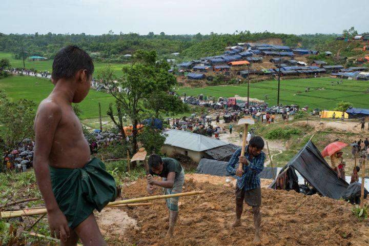 Rohingya: urge azione immediata per evitare un disastro di salute pubblica