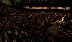 """Jeremy Corbyn chiude il congresso laburista con una sfida: """"Siamo pronti a governare il paese"""""""
