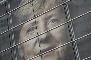 """Η Μέρκελ είναι η """"σοβαρή ακροδεξιά"""" της Γερμανίας"""