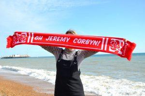 Brighton, Jeremy Corbyn dà l'avvio al congresso annuale laburista con un raduno di massa
