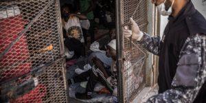 A un anno dall'accordo Italia -Libia Amnesty denuncia migliaia di persone intrappolate