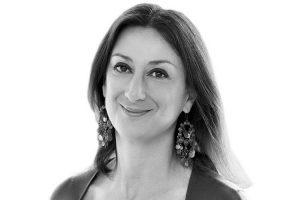 Malta: acht Untersuchungen von Daphne Caruana Galizia, die ihr Tod in Schwebe lässt