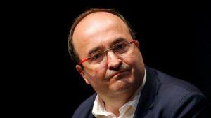 El PSC pide la renuncia a Rajoy y Puigdemont si no pueden restablecer la normalidad