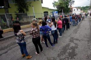 """Venezuela: Gobierno califica como """"un éxito"""" el proceso electoral y destaca que """"transcurrió en paz"""""""