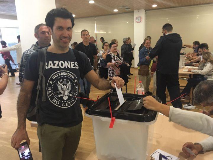 Friedliche Demokratie setzt sich in Katalonien durch