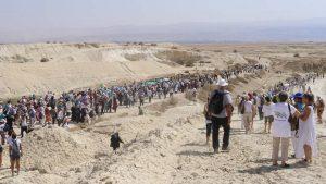 Migliaia di donne israeliane e palestinesi marciano per la pace