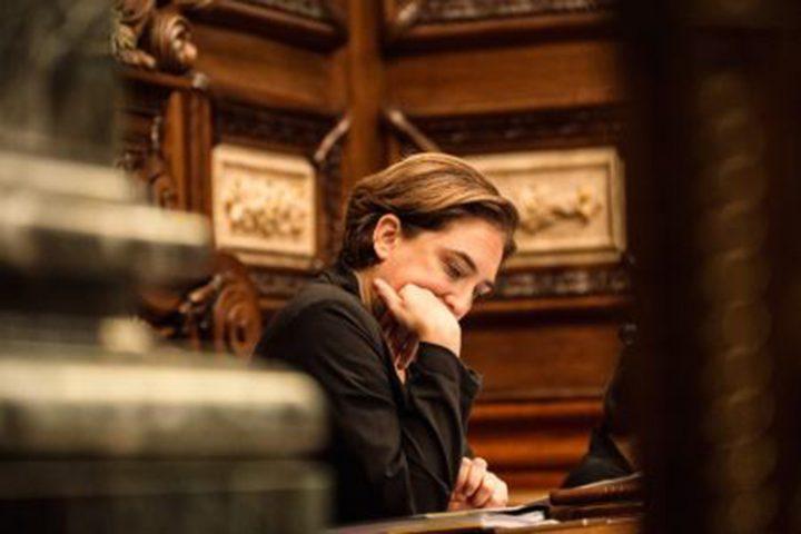 Ada Colau, critica e impegnata allo stesso tempo