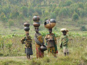 Burundi, la cooperazione passa attraverso la terra