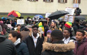 « Je n'arrive pas à y croire ! »  Protestation contre l'esclavage en Libye
