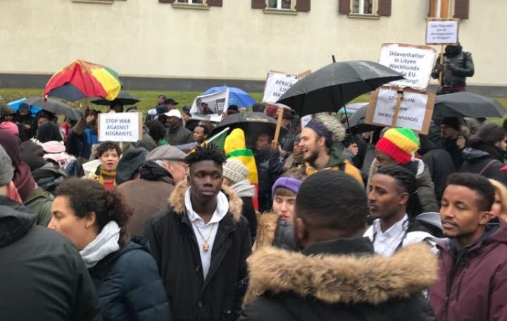 """""""Ich kann es nicht fassen!"""" Protest gegen Sklaverei in Libyen"""