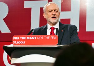 "Jeremy Corbyn lancia la ""democracy review"" del Partito Laburista"