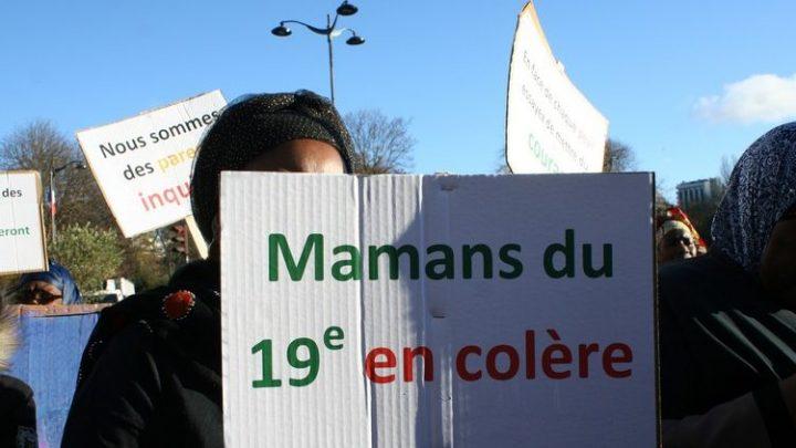 mamans-debout12-750×422-c-default