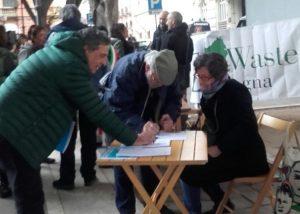 Sit-in di sostegno al ricorso al TAR sul piano Regionale dei Rifiuti della Sardegna