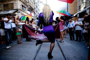 I diritti LGBT in Turchia: un'intervista con Buse Kılıçkaya