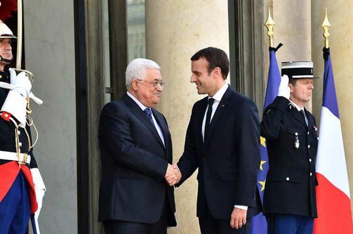 Presidente francés recibió en París a Mahmoud Abbas