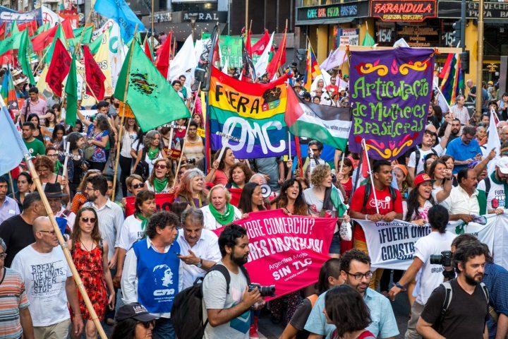 El centro de Buenos Aires se llenó de antiimperialismo